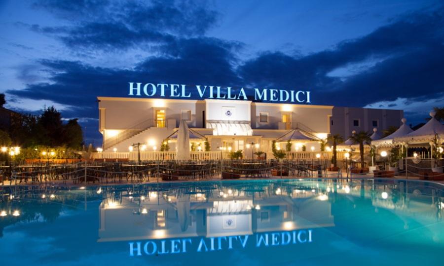 HOTEL VILLA MEDICI in Italy